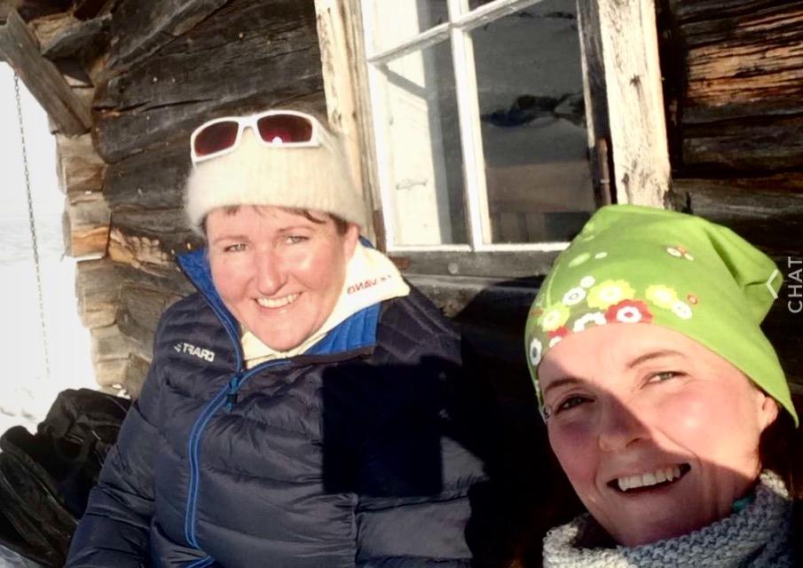 To blide damer på Heggebottsetra.