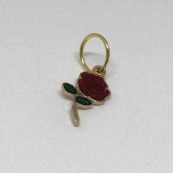 maskemarkør formet som rød rose med grønne blad